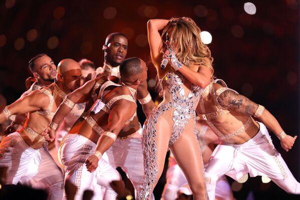 Vystoupení Jennifer Lopez během finálového zápasu National Football League amerického fotbalu Miami, USA (02.2.2020) - Sputnik Česká republika