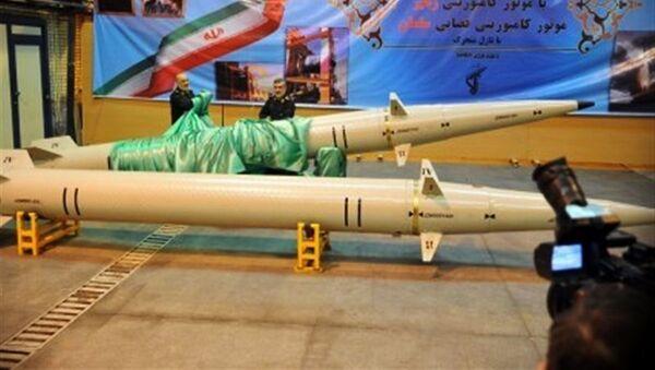 Íránská raketa krátkého doletu Raad-500 - Sputnik Česká republika