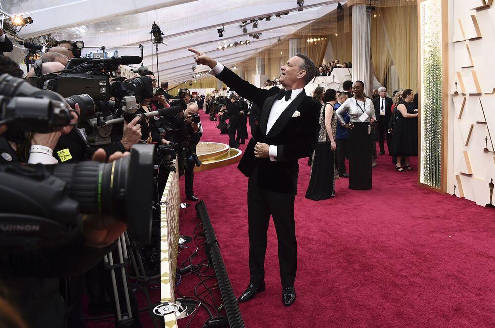 Herec Thomas Hanks na červeném koberci. Udělování Oscara 2020 v Los Angeles, USA.