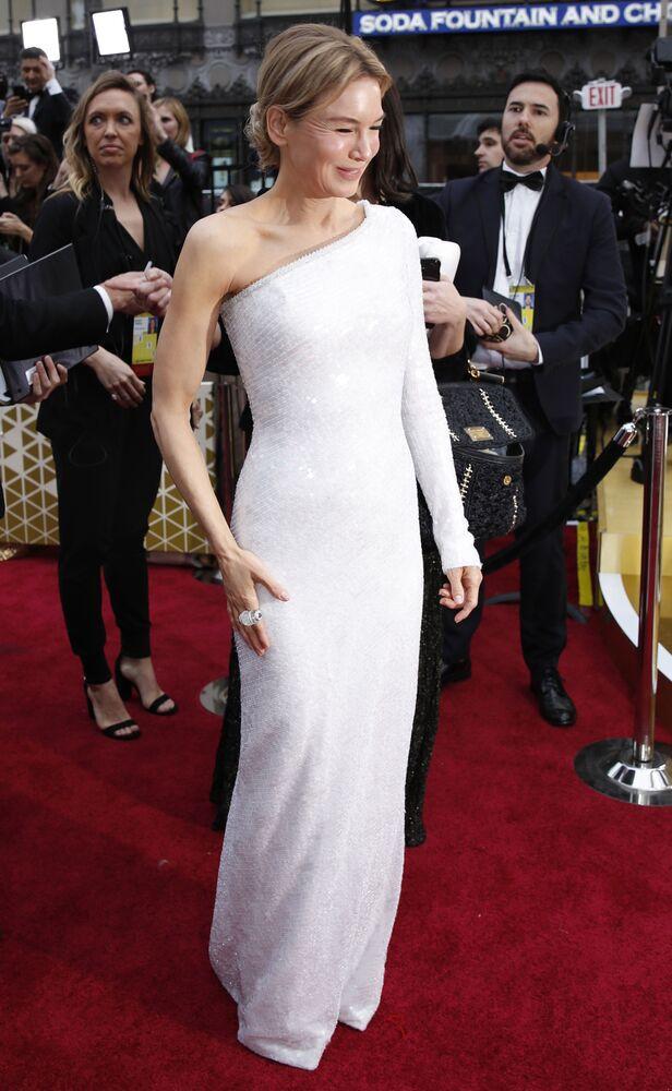 Herečka Renée Zellweger na červeném koberci. Udělování Oscara 2020 v Los Angeles, USA.