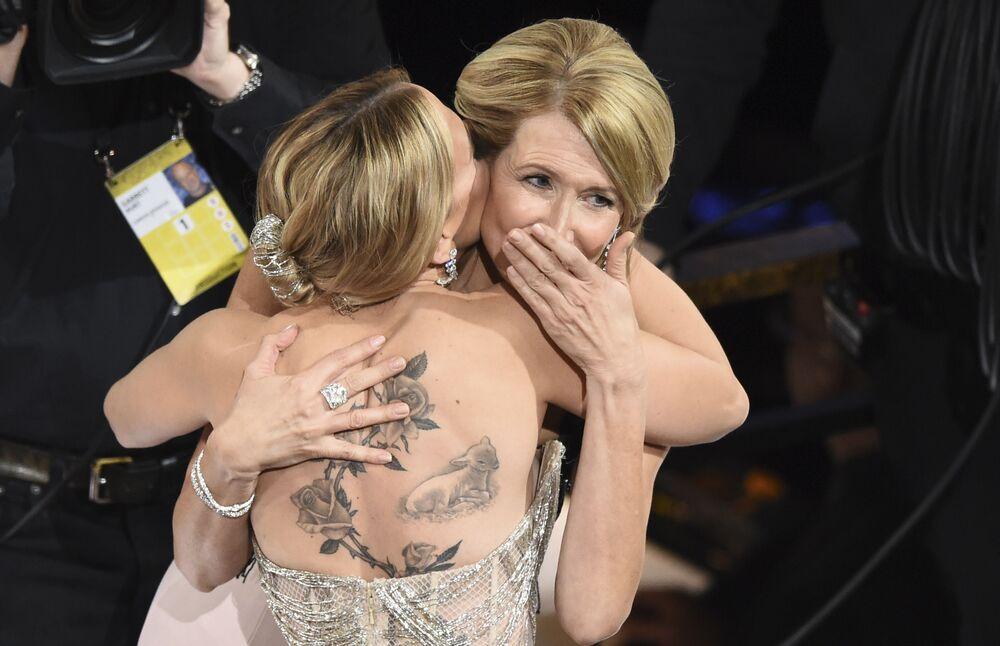 Herečka Laura Dernová. Udělování Oscara 2020 v Los Angeles, USA.