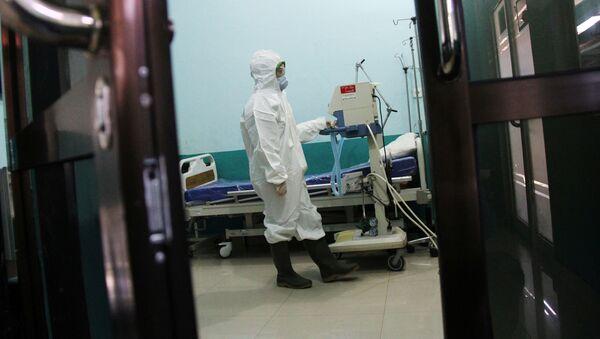 Vědci objevili další způsob, kterým se přenáší koronavirus - Sputnik Česká republika