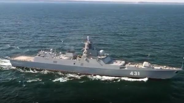 Video: Budoucí námořnictva. Unikátní záběry z testu komplexu radioelektronického boje první ruské sériové fregaty Admirál flotily Kasatonov - Sputnik Česká republika