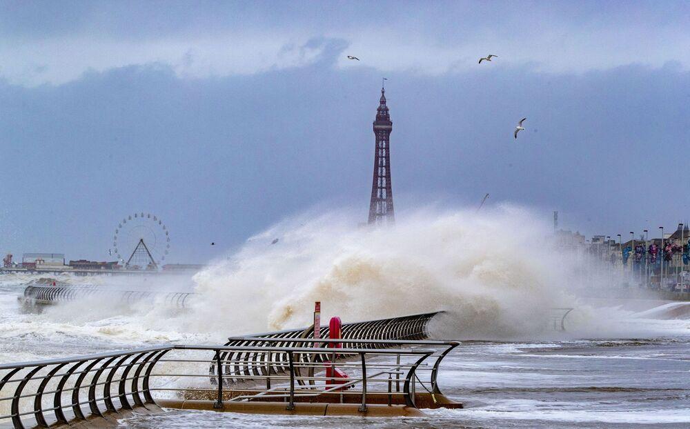 Bouře v Blackpoolu, Velká Británie.