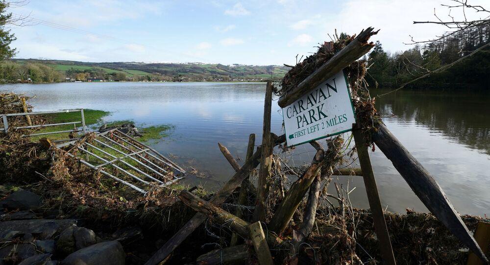 Následky bouře Ciara v severním Walesu