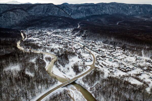 Usedlost Guamka a řeka Kurdžips. Krasnodarský kraj, Rusko. - Sputnik Česká republika