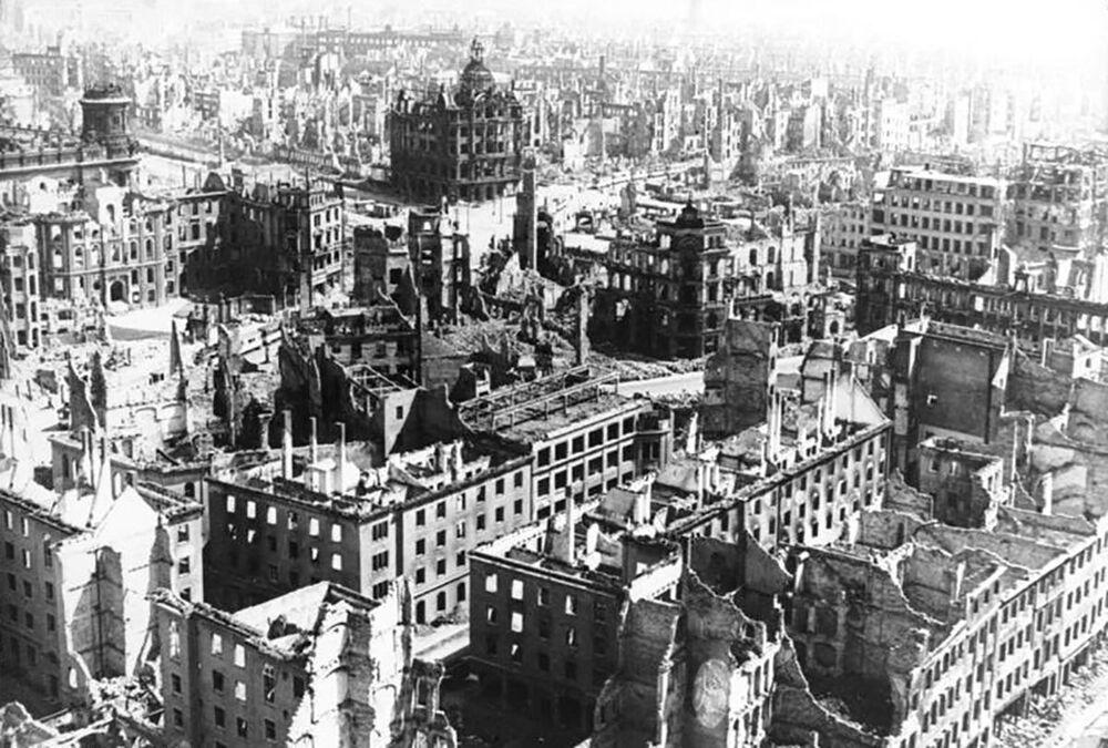 Americké letouny vybombardovaly město do základů