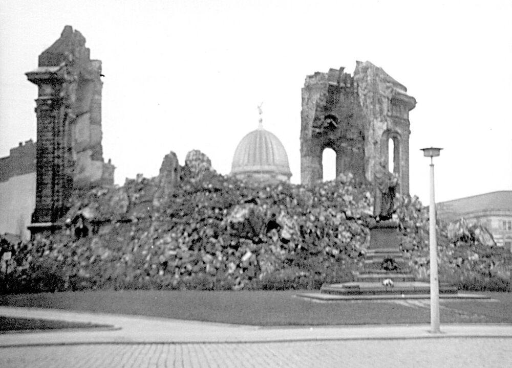 Zbytky kostela Faruenkirche v Drážďanech