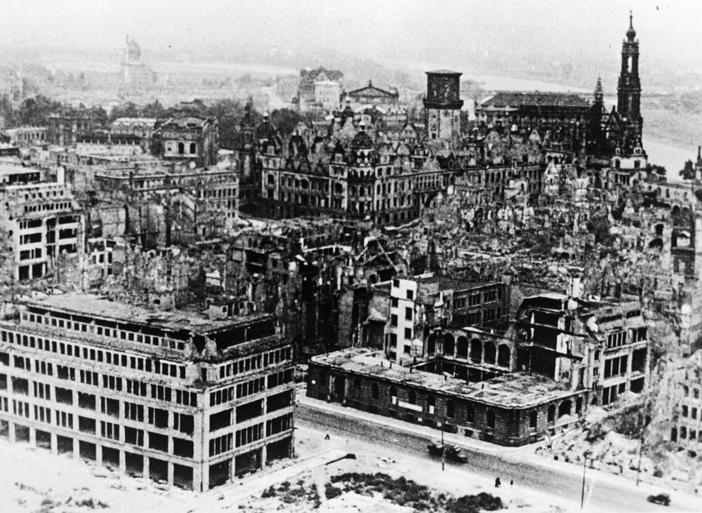 Město leželo v troskách ještě v roce 1951