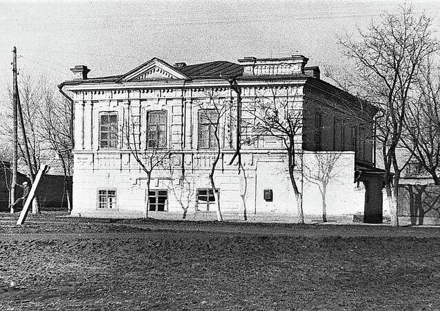 Budova dětského domu v Jejsku, jehož chovanci byli popraveni esesáky 9. října 1942