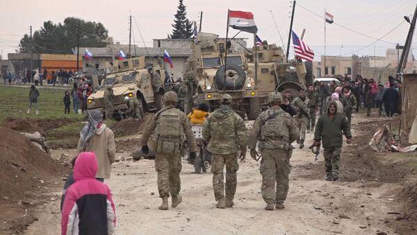 Konflikt s účastí vojáků armády USA v Sýrii - Sputnik Česká republika