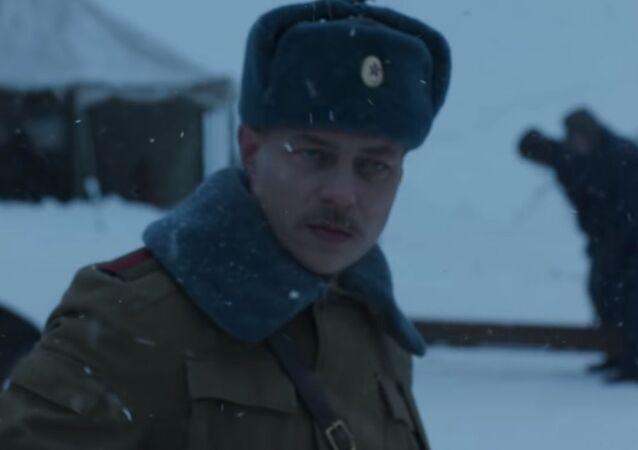 V teaseru Stranger Things 4 se v roli ruského vojáka objevil herec ze seriálu Hra o trůny