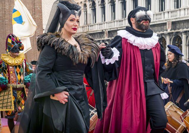 Účastníci Benátského karnevalu 2020