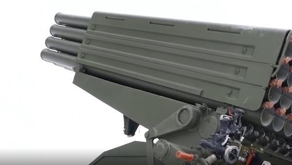 Nová jednotka ruské výzbroje. První záběry výkonné salvy z modernizovaného raketometu Grad - Sputnik Česká republika