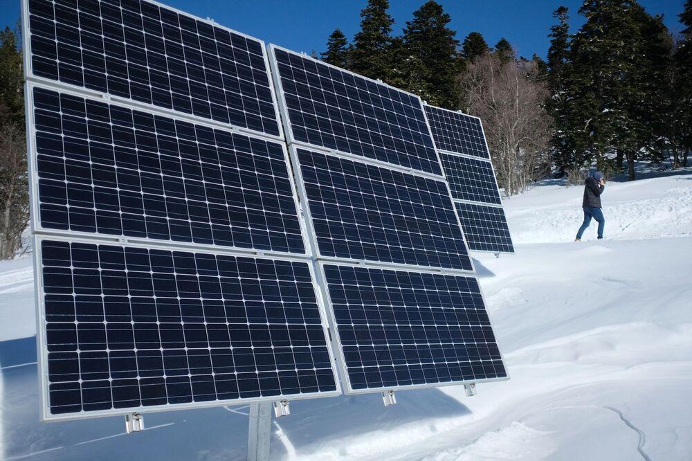 Solární panely v Kavkazské státní přírodní biosférické rezervaci