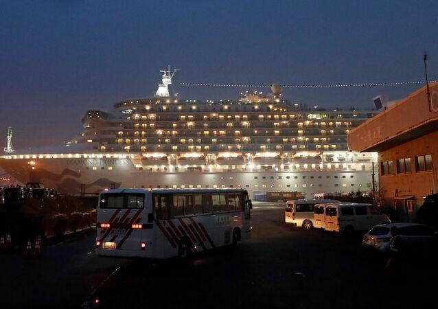 Loď Diamond Princess v japonské Jokohamě