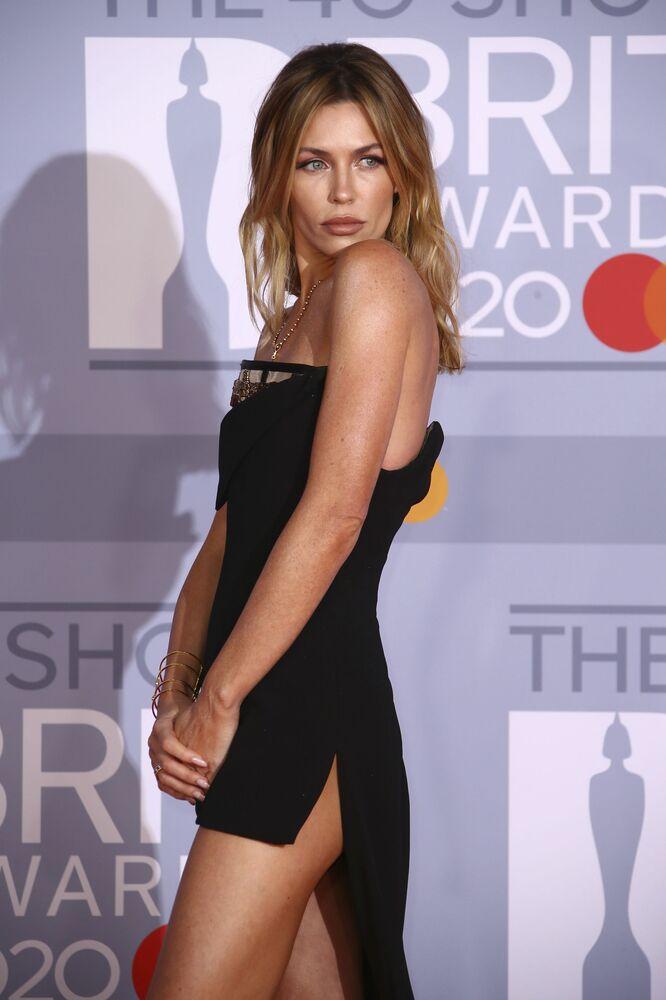 Modelka Abbey Clancyová na 2020 Brit Awards