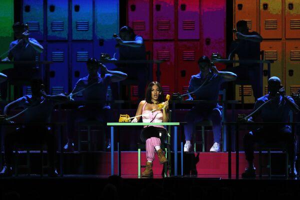 Zpěvačka Mabel na Brit Awards 2020 - Sputnik Česká republika
