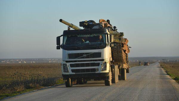 Vojenské technika Syrské arabské armády v provincii Idlib - Sputnik Česká republika