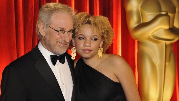 Steven Spielberg a Mikaela Spielbergová - Sputnik Česká republika