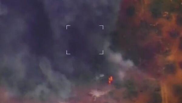Bylo uveřejněno video zachycující odražení útoku bojovníků v Idlibu - Sputnik Česká republika
