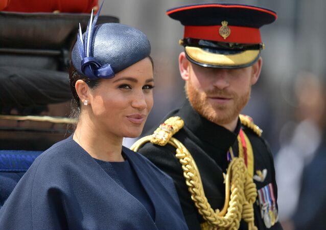 Princ Harry se svou ženou Meghan Markleovou