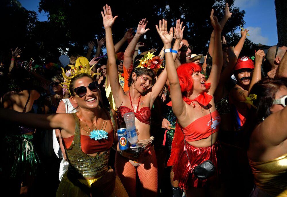 Oslavy karnevalu v brazilském městě Rio de Janeiro.