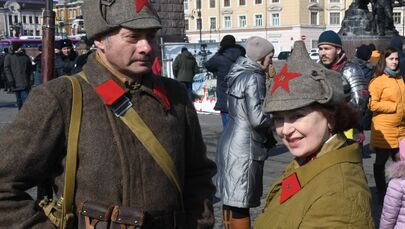 Účastníci historické rekonstrukce Velké vlastenecké války ve Vladivostoku.