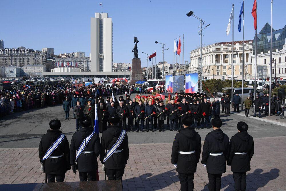 Oslavy Dne obránce vlasti ve Vladivostoku.