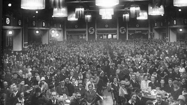 Zasedání NSDAP v jedné z mnichovských pivnic - Sputnik Česká republika