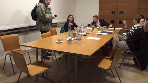 Hádka na schůzi členů Rady ČTK - Sputnik Česká republika