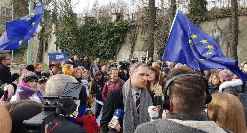 Pražský primátor Zdeněk Hřib během ceremoniálu přejmenování náměstí Pod Kaštany po Němcovovi