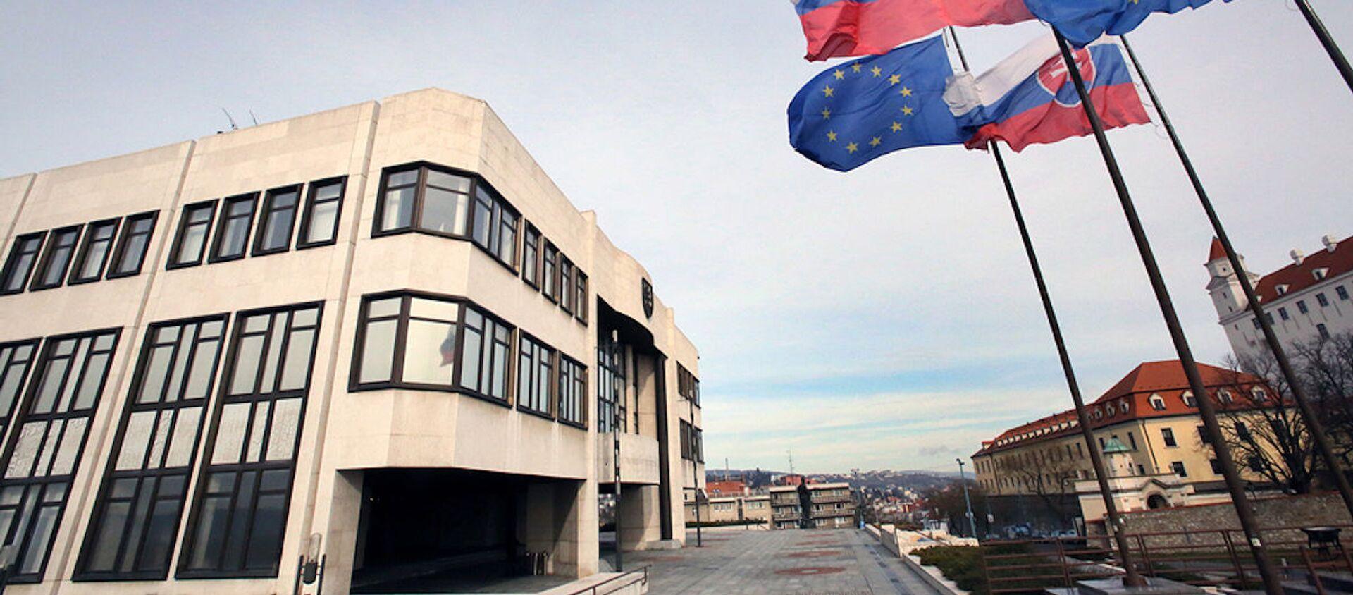 Budova Národní rady Slovenské republiky. Ilustrační foto - Sputnik Česká republika, 1920, 09.04.2021