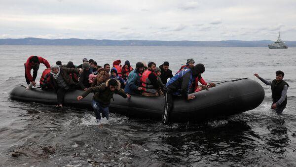 Migranti na ostrově Lesbos - Sputnik Česká republika