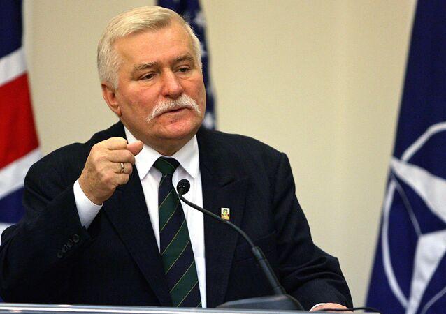 Bývalý polský prezident Lech Wałęsa  na zasedání v Portugalsku