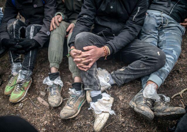 Migranti čekají na hranici mezi Tureckem a Řeckem