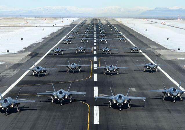 Bojové cvičení F-35A na základně Hill Air Force, Utah, 6. ledna 2020