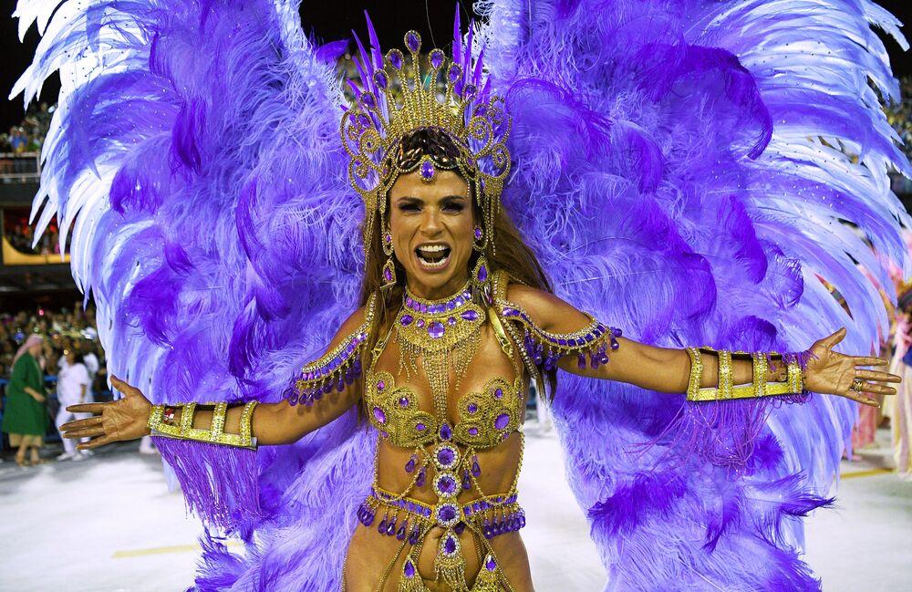 Účastnice karnevalu v Riu de Janeiru