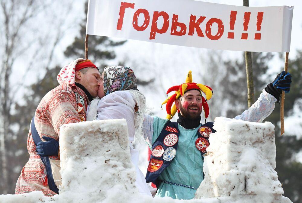 Oslavy Maslenice v Moskevské oblasti.