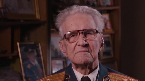 95letý veterán bitvy u Stalingradu řekl, co ho chránilo před smrtí ve válce - Sputnik Česká republika