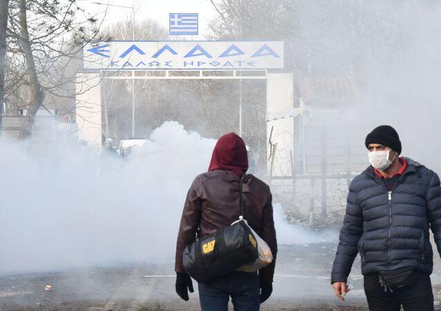 Syrští uprchlíci na hranici Turecka a Řecka