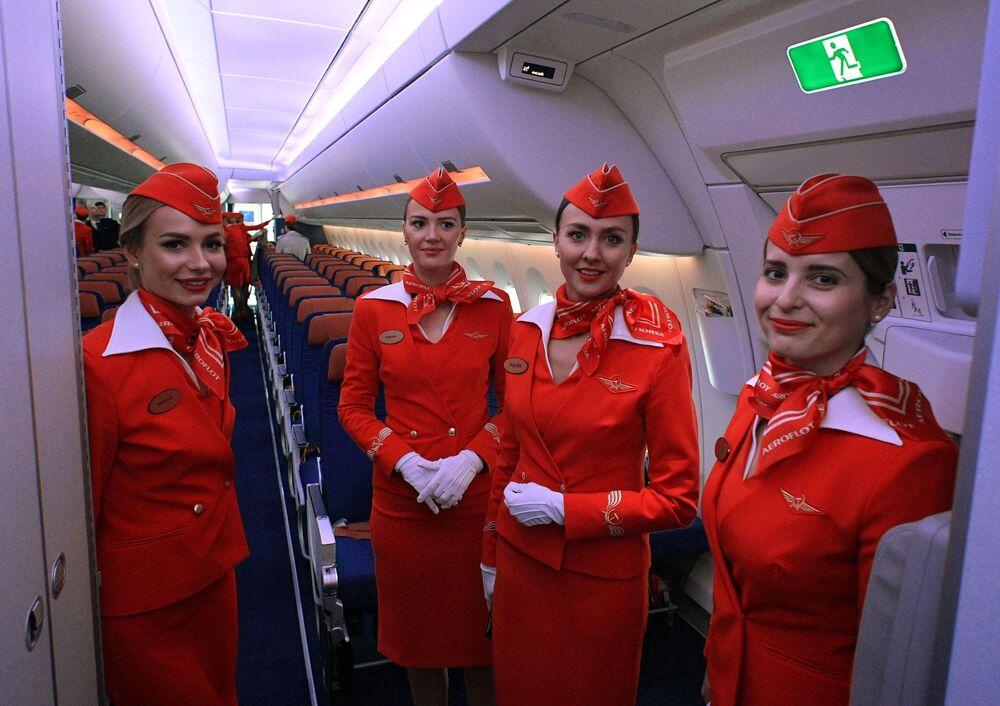 Kabina pro cestující nového stroje Aeroflotu má 28 míst obchodní třídy, 24 míst prémiové ekonomické třídy a 264 míst ekonomické třídy.