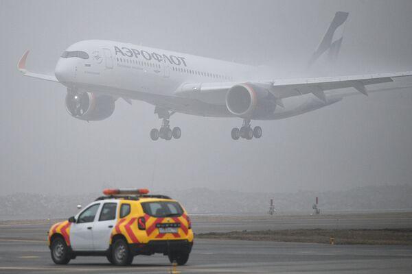 Prezentace letadla Airbus A350 na moskevském letišti Šeremeťjevo. - Sputnik Česká republika