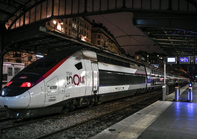 Rychlovlak TGV v Paříži. Ilustrační foto