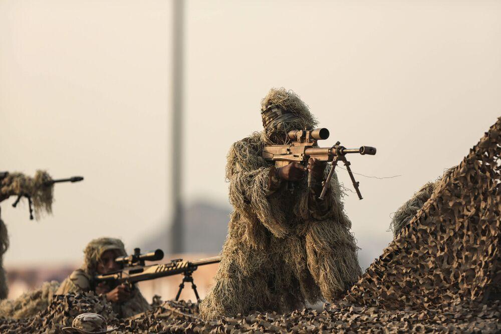 Vojenská přehlídka v Saúdské Arábii