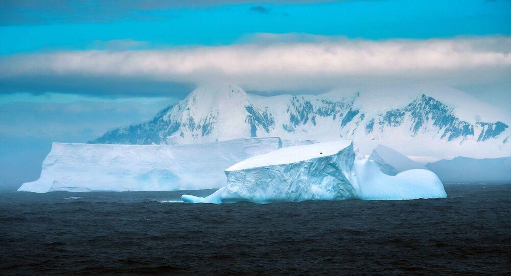 Ostrov v Antarktidě