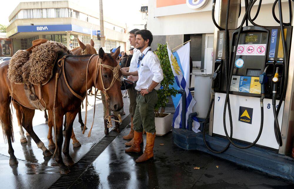 Stoupenci zvoleného prezidenta čekají na inauguraci, Uruguay