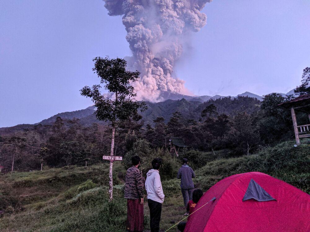 Erupce sopky v Indonésii