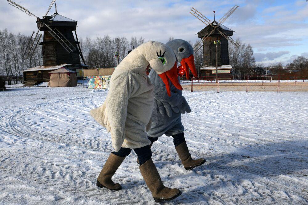 Oslava Maslenice ve městě Suzdal v Rusku