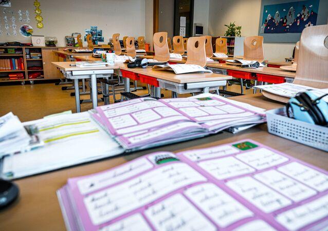 Prázdná třída ve škole v Nizozemsku. Ilustrační foto